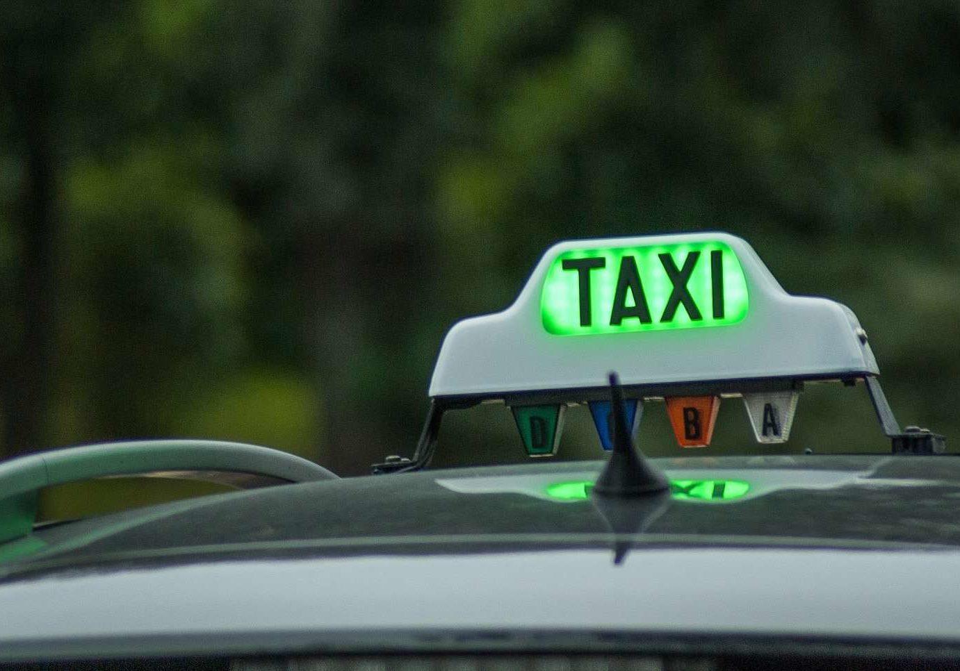 Chauffeur taxi à Lyon